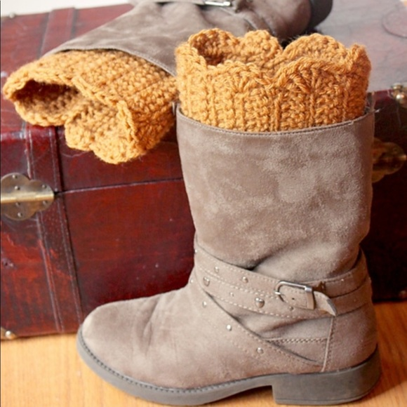Accessories - 🎉5 for $25🎉Scalloped Boot Cuffs